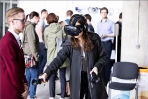 Žaidimų rinkos evoliucija: KTU kuriama virtuali realybė nukels į viduramžius ir edukuodama pasiūlys išsivaduoti iš chemikų laboratorijos